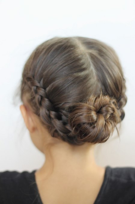 Learn how to make this adoarable double Dutch braid- bun!