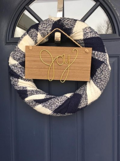 Learn how to make this adorable no-sew wreath from by BMG.