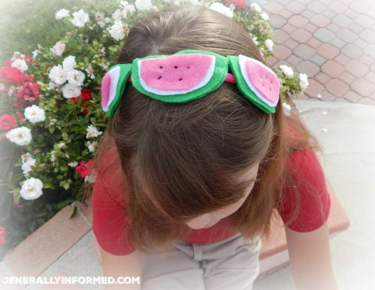 Make summer fabulous with this adorable DIY watermelon headband!