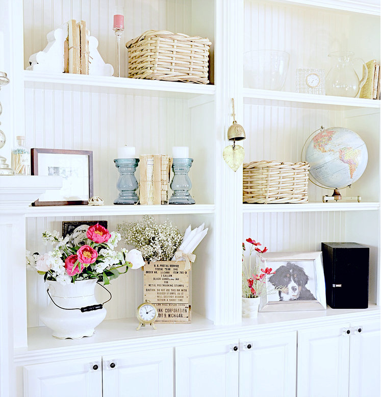 10 Surprising Shelf Design Tips w/ Shelfie Design Guide from Dabbling & Decorating.
