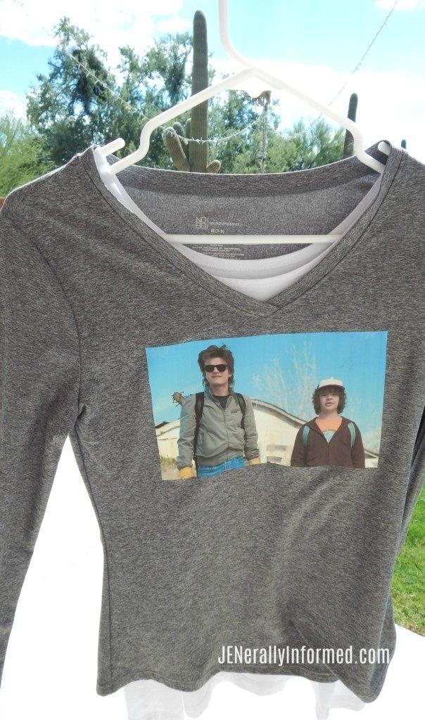 Do you love Stranger Things? Learn how to make your own DIY #StrangerThings tee shirt!