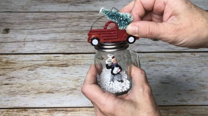 Making Ornaments from Seasoning Shakers from Chas' Crazy Creations.