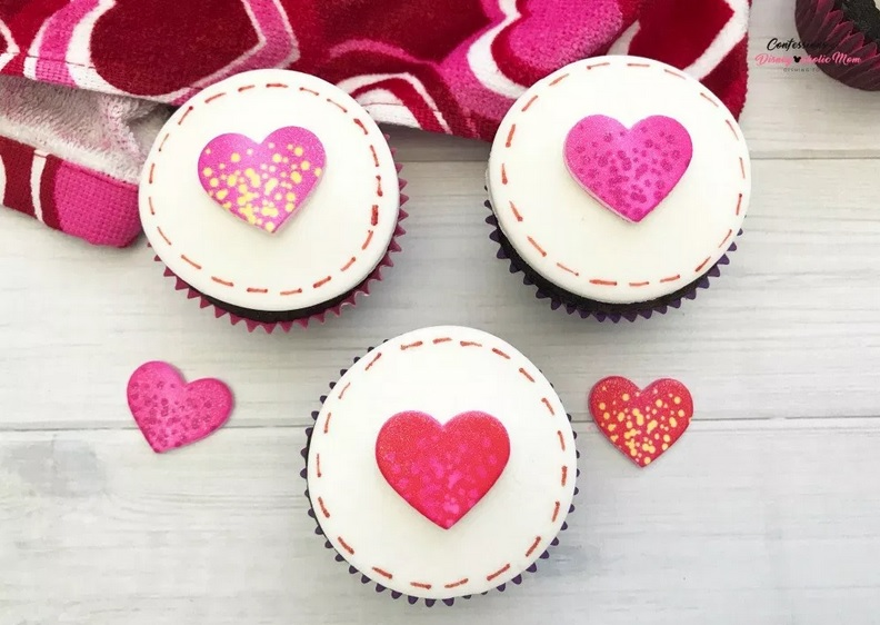Love Stitch Cupcakes for All Your Loves Recipe Tutorial from Confessions of a Disneyaholic Mom.