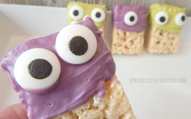 Whip up a batch of these adorable Monster Rice Krispie Treats! #kids #Halloween #food