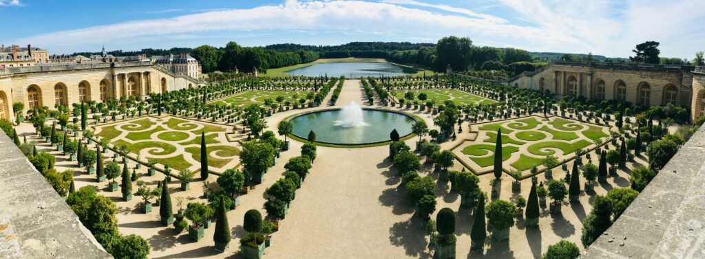 Photo at Versailles. Courtesy Go to Armand Khoury's profile Avatar of user Armand Khoury Armand Khoury @armand_khoury Armand Khoury and Unsplash.