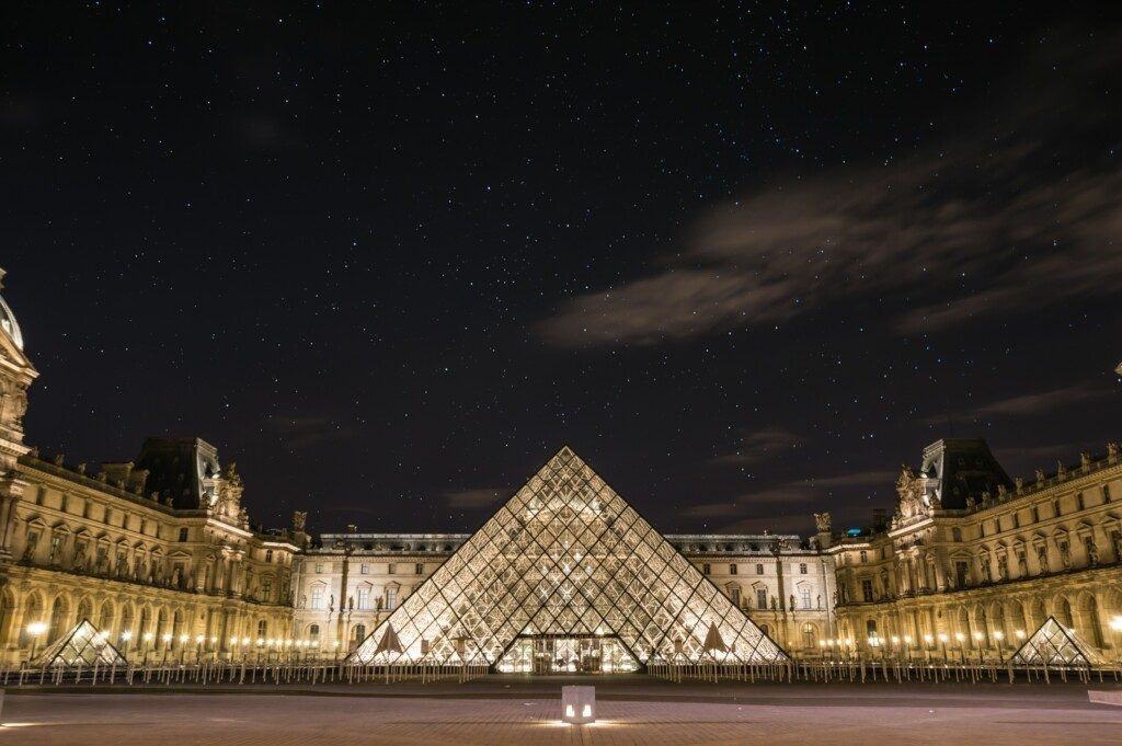 Louvre courtesy Unsplah and Uriel Soberanes.