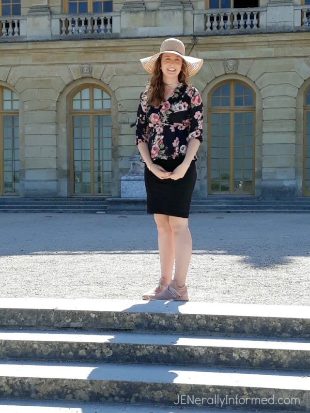 Millions of people visit Versailles every year, so here's how to Plan the Perfect Paris to Versailles Day Trip for yourself. #travel #Paris #Versailles