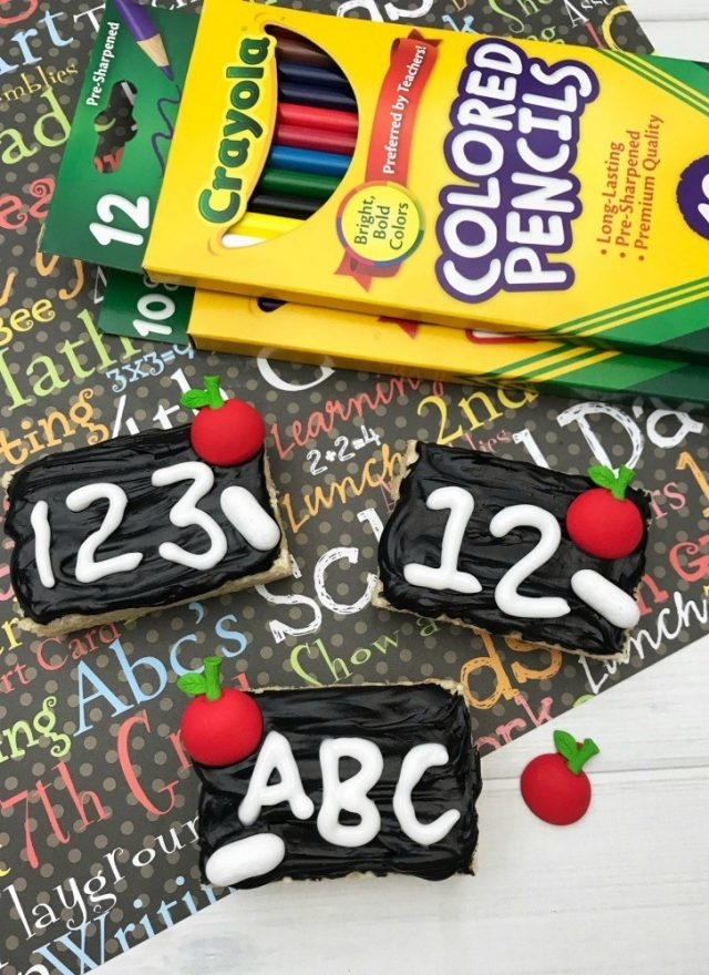 Chalkboard Rice Krispie Treats Recipe Tutorial For Back to School Fun from This Mom's Confessions.