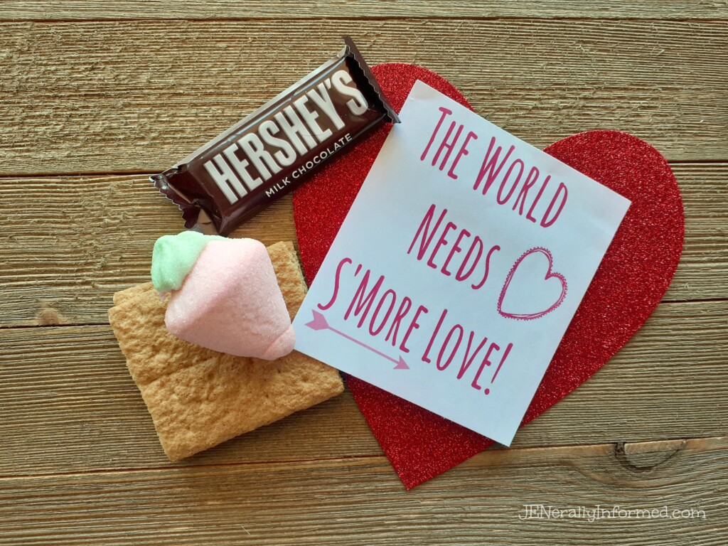 Share a little love this #ValentinesDay with this easy to make S'Mores goody bag! Plus a free printable!
