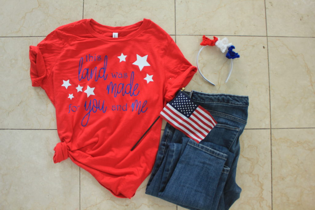 Easy Fourth of July Shirt with Free Cut File from A Sprinkle Of Joy.