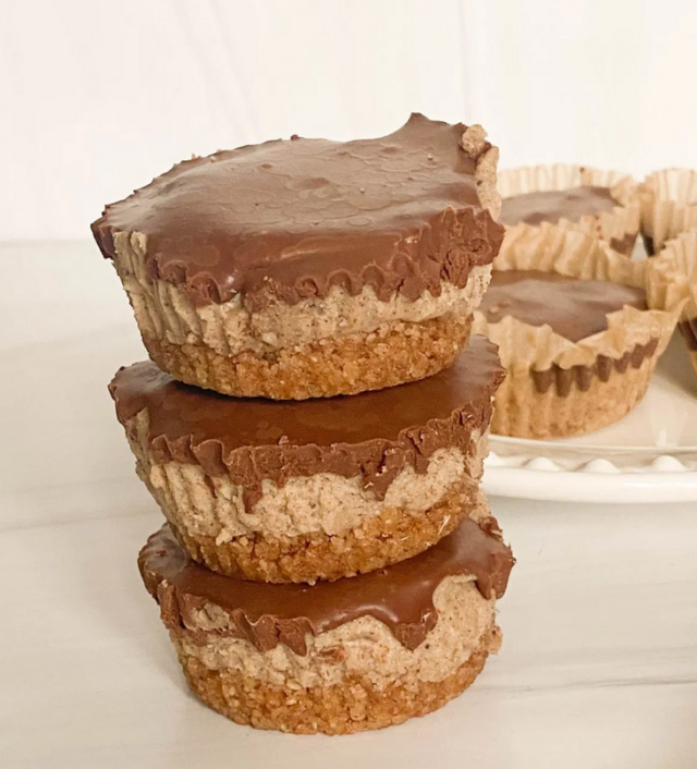 Vegan No Bake Cookie Butter Cheesecake – Candida Diet Friendly from Curated by Jennifer.