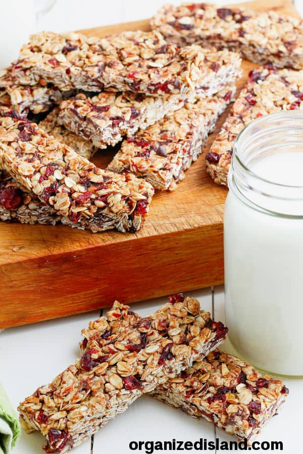 Homemade Granola Bars from Organized Island.