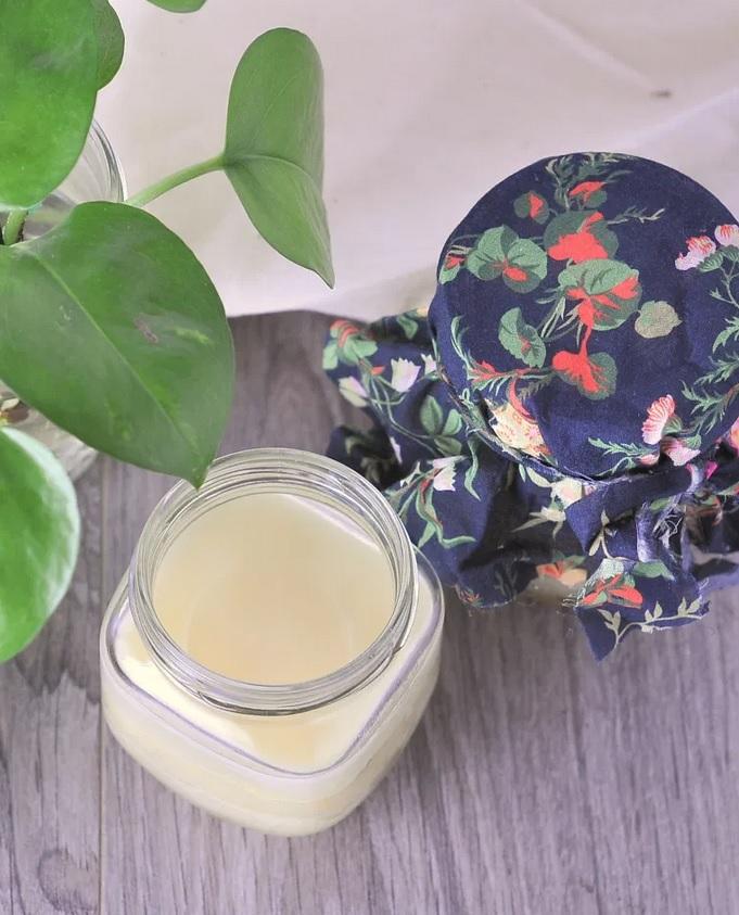 DIY: Make Your Own Honey Body Balm from Kiku Corner.