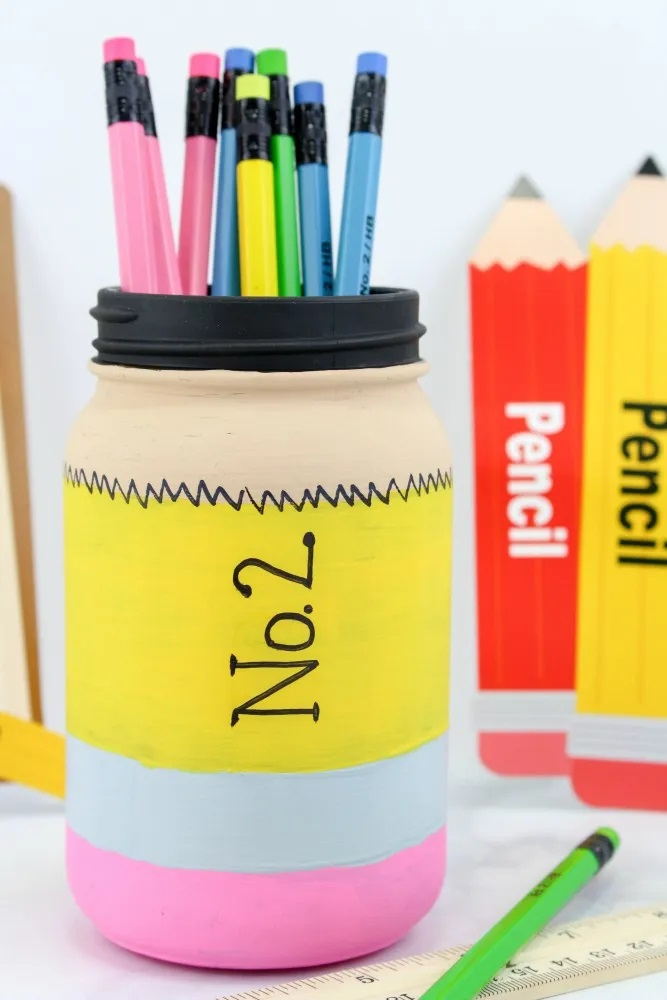 Back to School Pencil Mason Jar Craft Tutorial from This Mom's Confessions.