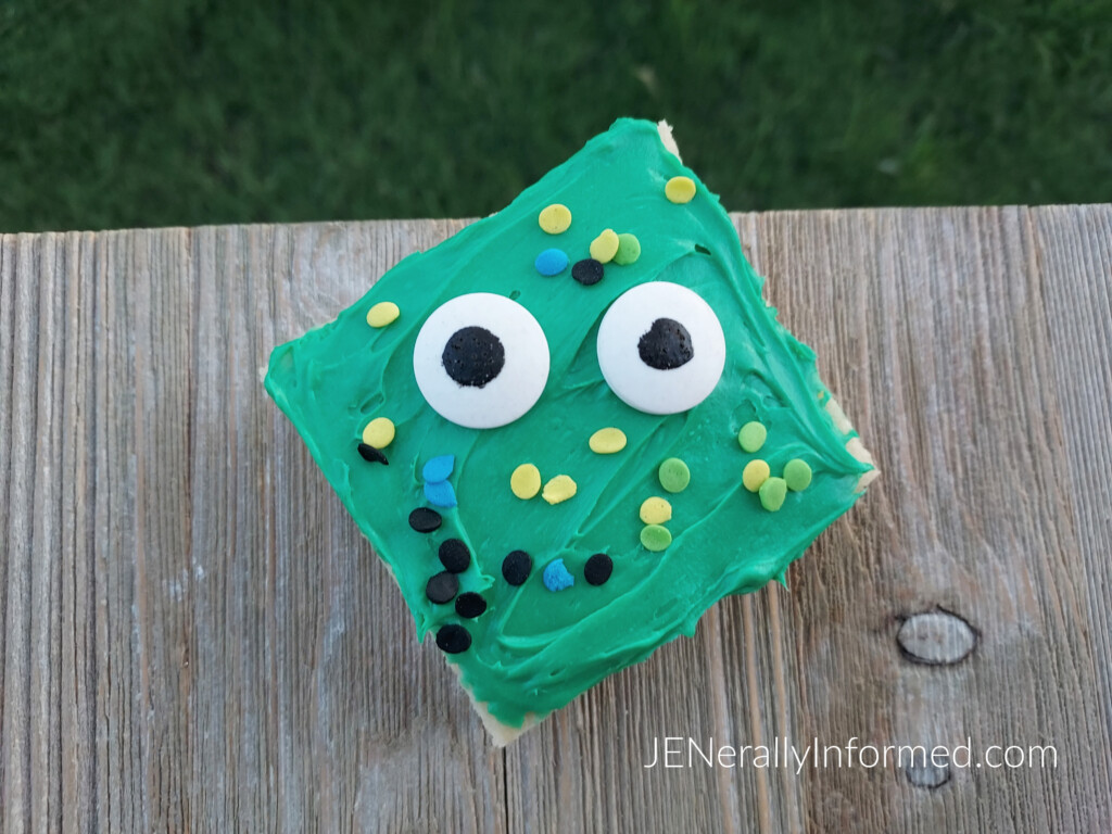 Get ready for #Halloween with these super easy-to-make and delicious monster sugar cookie bars that all your ghouls and ghasts will enjoy!